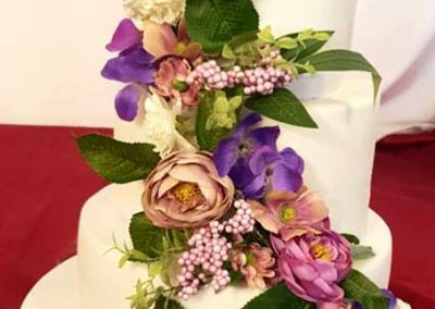 3-Tier-Wedding-Cake-With-Fabulous-Floral-Decorations