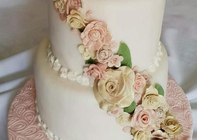 White-Wedding-Cake-With-Flower-Feature-Decoration