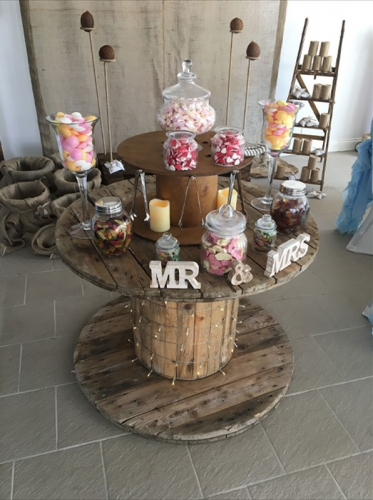 Rustic sweet cart